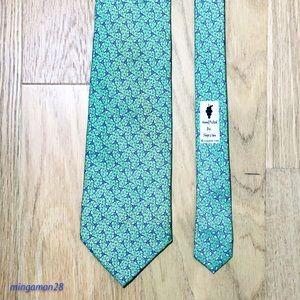 Vineyard Vines Propeller Print Tie